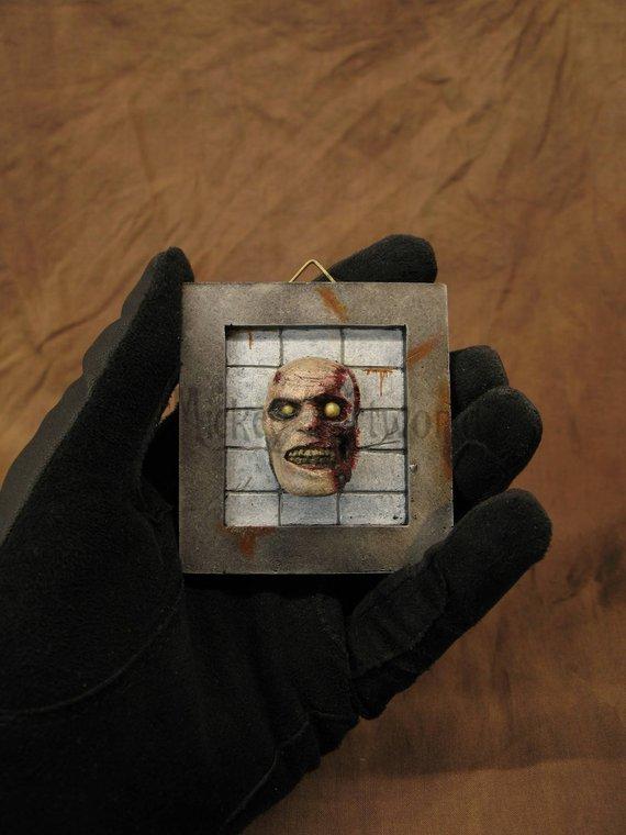 Mini trophée ou cadre de zombie par Mickey Artworld